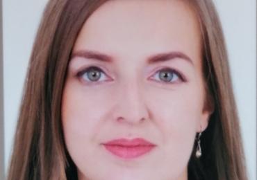 Bosnian native speaker Maida teaches you her native language in Ebbs